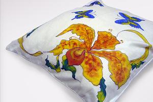 Акриловые краски по ткани. Роспись чехла для подушки.