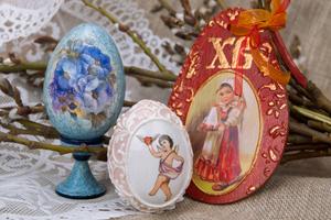 Пасхальный декор. Мастер-класс по декупажу деревянных яиц.