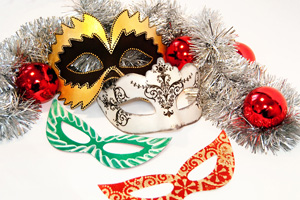 Новогодние маски — декупаж и другой декор своими руками | Мастер-класс