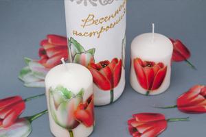Техника декупаж - бутылка и свечи к 8 марта. Комплект тюльпаны. Мастер-класс