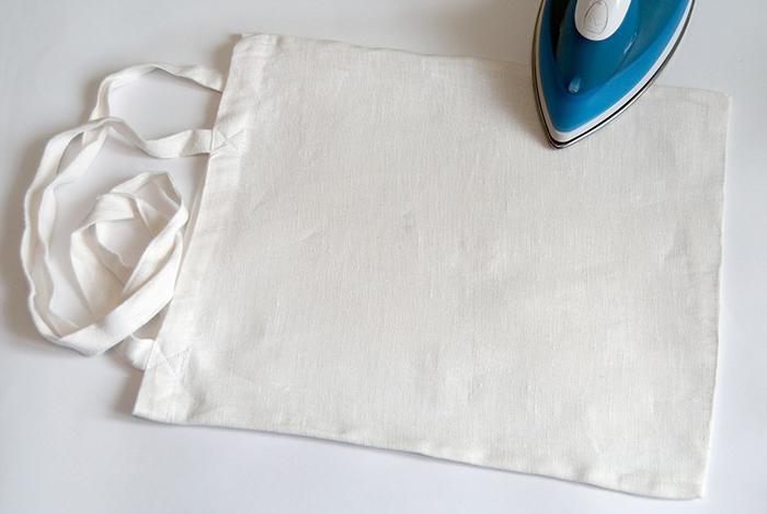 9051b0065f32 Декупаж по ткани на сумках своими руками - мастер-класс с пошаговыми ...