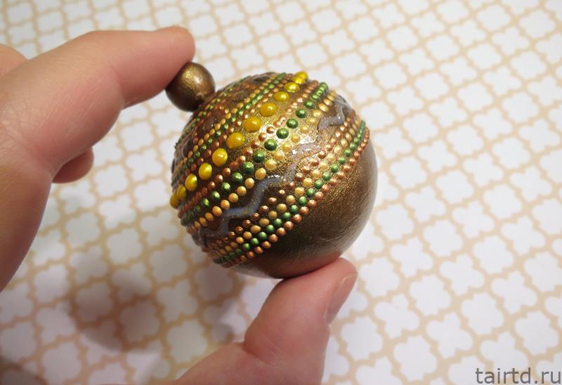 Точечная роспись новогодних шариков