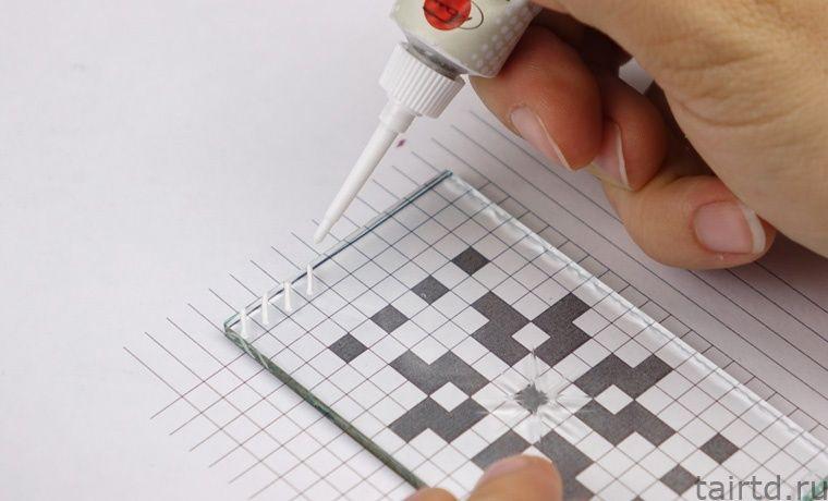Имитация вышивки крестом с помощью акриловых контуров