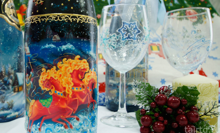 Новогодний декупаж бутылки шампанского - пошаговый мастер класс