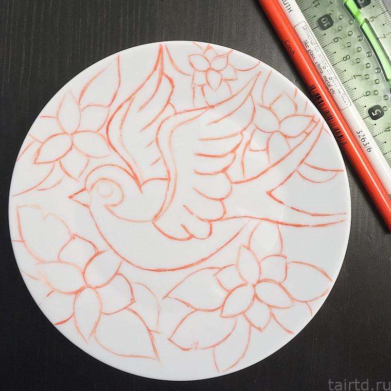Точечная роспись для начинающих. Роспись тарелки акриловыми контурами.