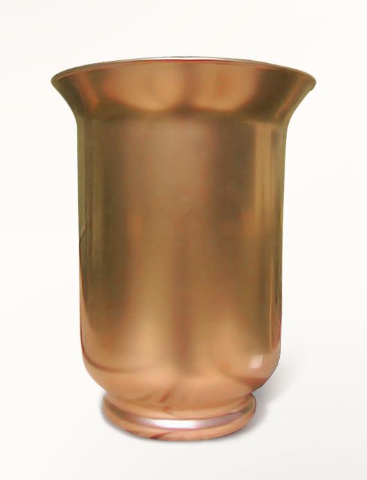 Покрываем вазу золотой краской