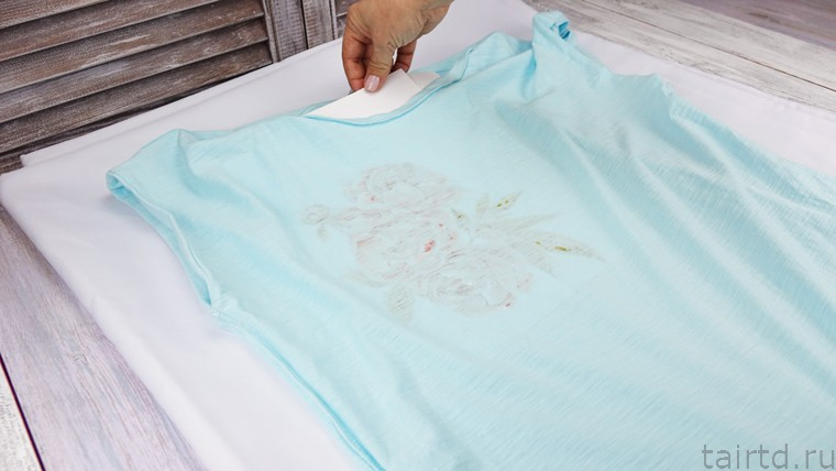 Роспись футболки акрилом. Шаг 31